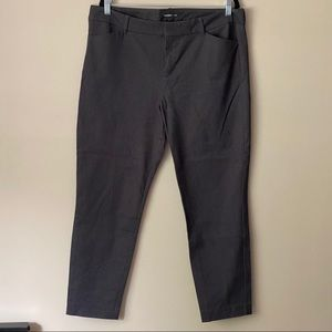 Old Navy charcoal grey Pixie pants - ankle length